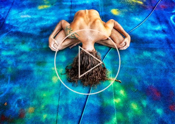 Gola Hundun, artist, graffiti, street art, mother nature, naked, nude