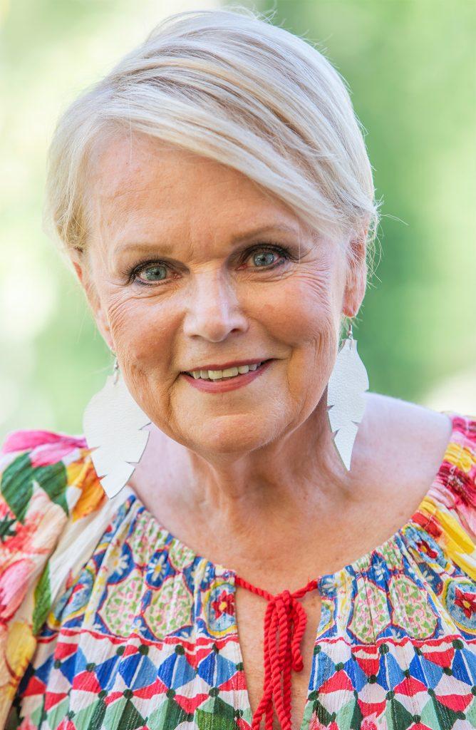 Katri Helena Kuoppamäki, singer, laulaja, 2019