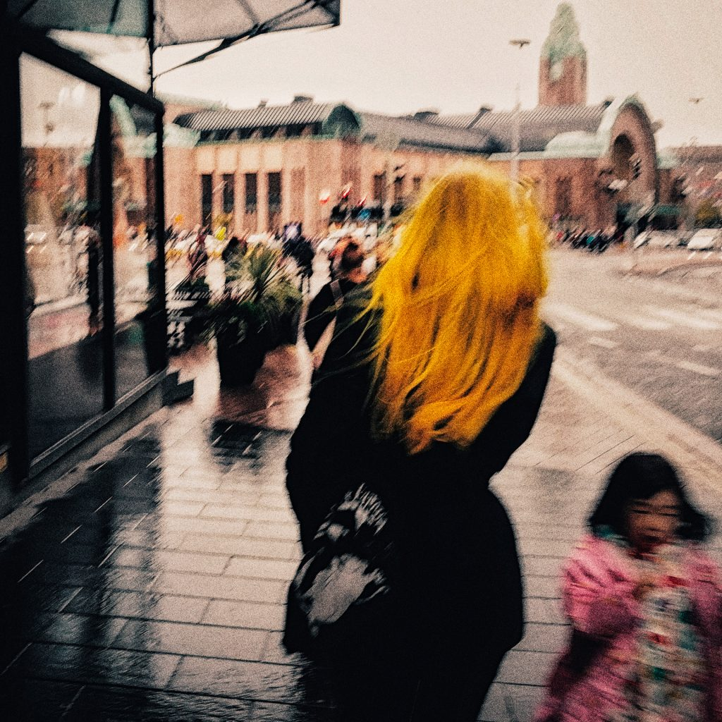 Railway station, Helsinki, Finland, yellow, hair, girl, young, people, Europe, life, Rautatientori, asema