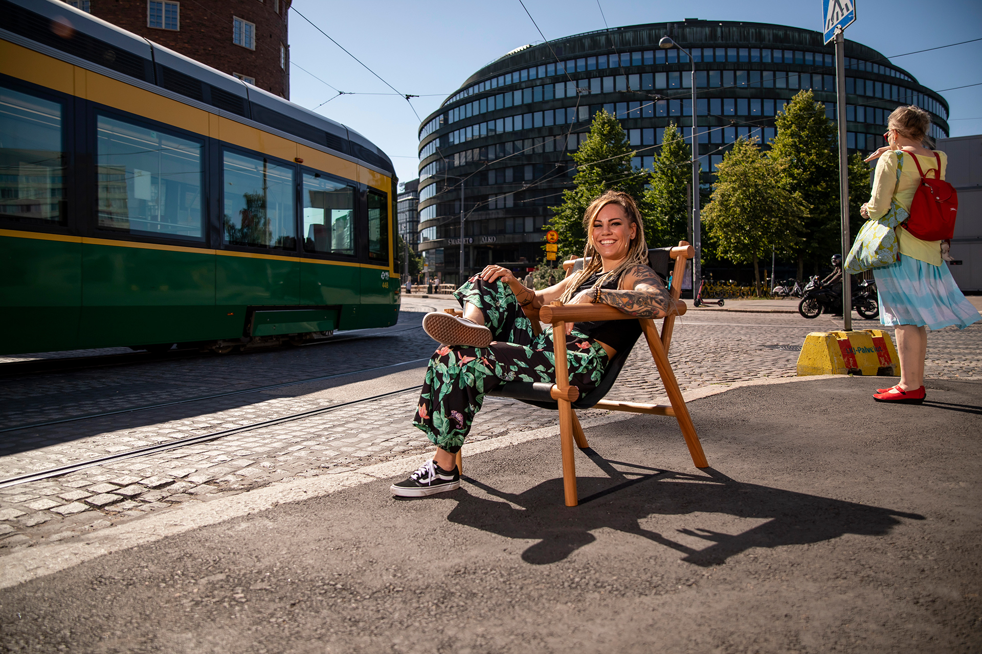 Eva Wahlström, nyrkkeilijä, boxer, boxing, model, lady, dreads, beautiful smile, fitness model, fit, chair, whiskey chair, whisky chair, Ympyrätalo