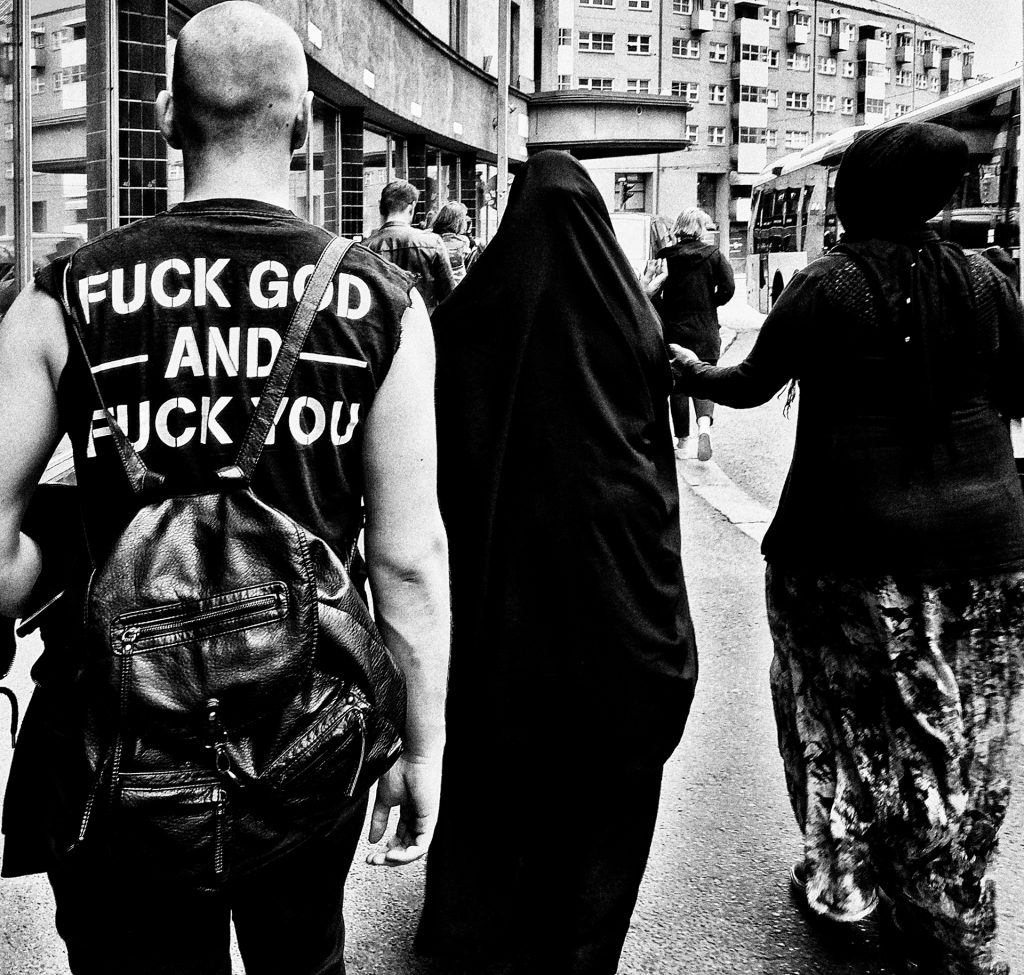Oi way, rebel, irokez, Punks, rock, street, Berlin, Finland, anarchy, style, fashion, anticlerical, multiculturalism, religion