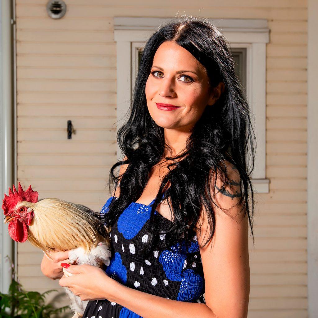 Marika Kiviharju, suomalainen valokuvaaja, photographer, Muurla, Yrittäjä, rooster