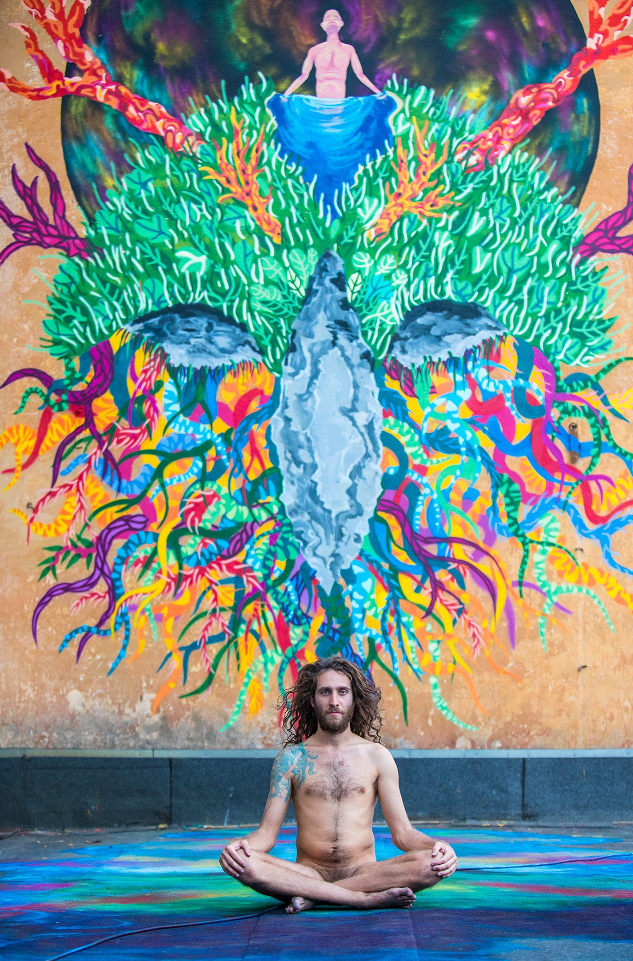 Gola Hundun, artist, graffiti, street art, mother nature, naked, nude