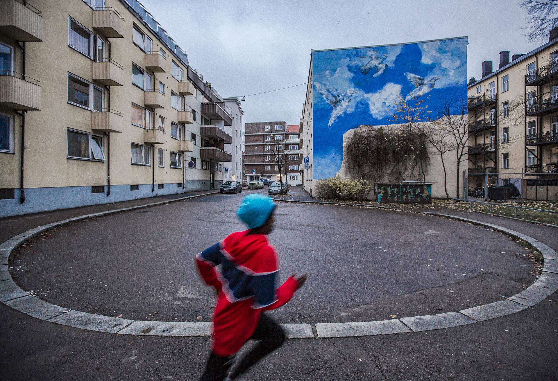 Töyen, Oslo, Norway, urban, kids, black