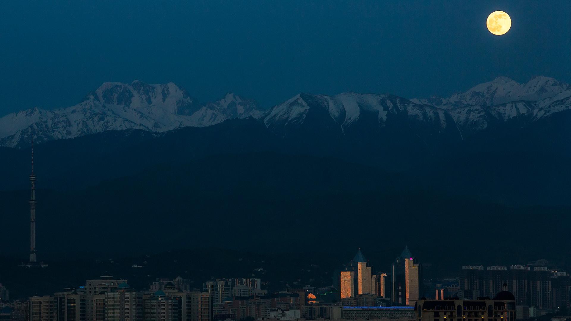 View, Almaty Kazakhstan, landscape, mountains, Kok Tobe