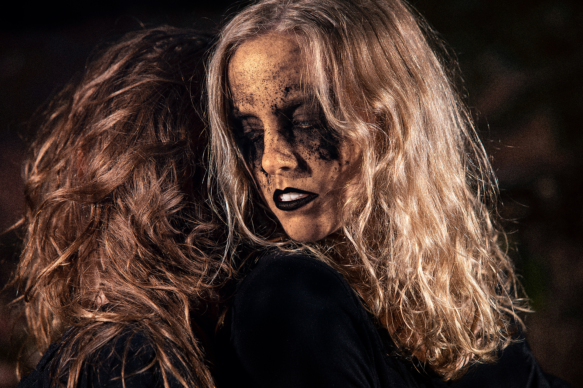 Stella Laine, Sonia Haga, Helsinki, model, gold, dark aesthetics, art, thrash, trash, photost, photo session